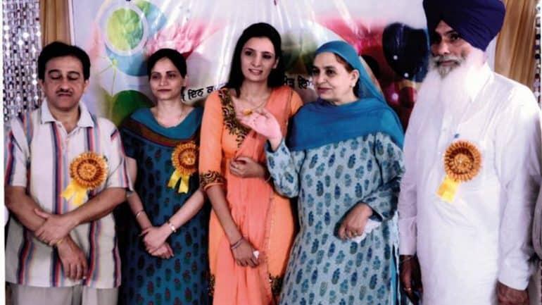 Ms. Navneet Kaur (M.Sc. N) 2013